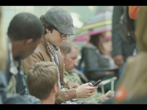 Samsung Galaxy S III Commercial Mocks Apple Fanboys / iPhone 5